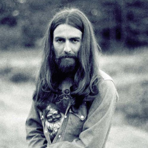 En 1969 realizó una produccion propia con cantantes devotos hari krishna la imagen de harrison habia cambiado drasticamente