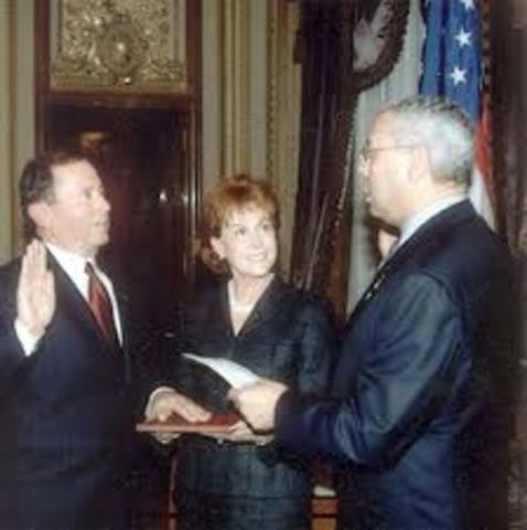 Powell is Sworn in as Secretary of State of USA