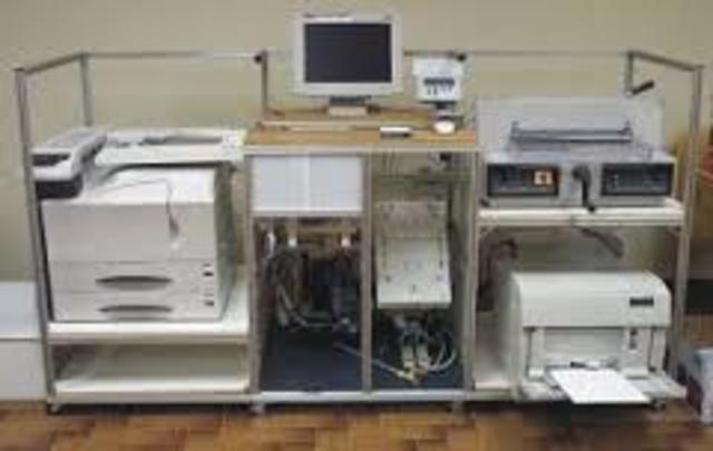 Victor Celorio inventó una imprenta llamada Instabook