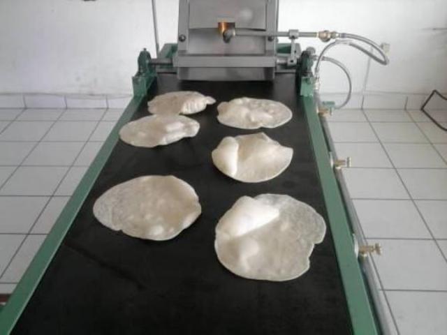 Everardo Rodríguez Arce y su socio Luis Romero.inventaron La Tortilladora automática.