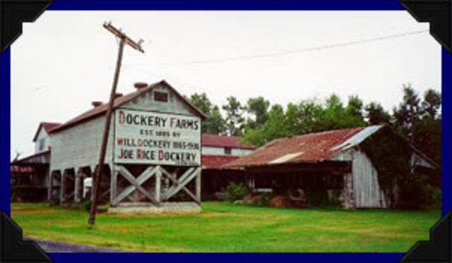 02- Charley Patton's family moves to Dockery Farm
