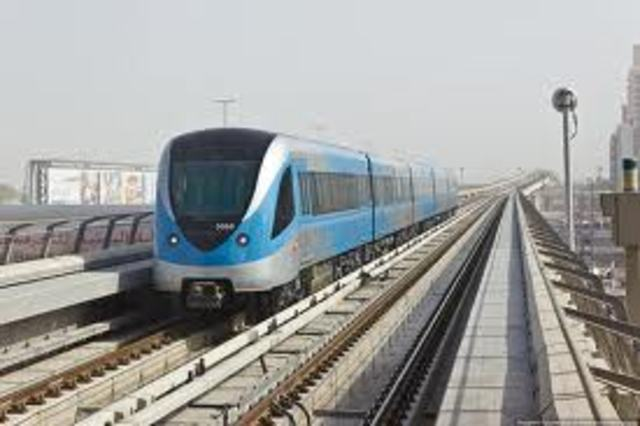 открытие Дубайского метрополитена