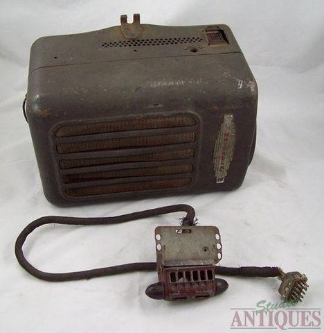 AM Radio became dominant mass-media
