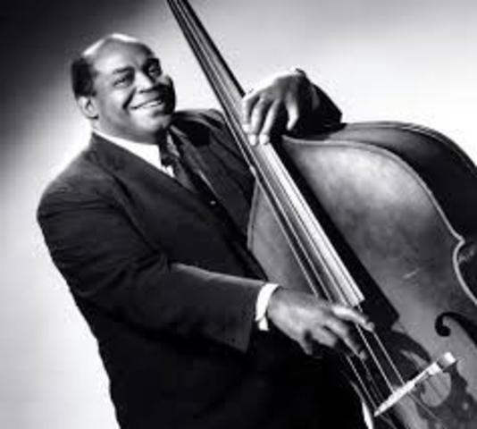 Willie Dixon signed to Chess Records