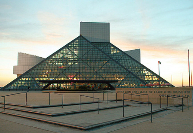 Rock 'N' Roll Hall Of Fame Founded