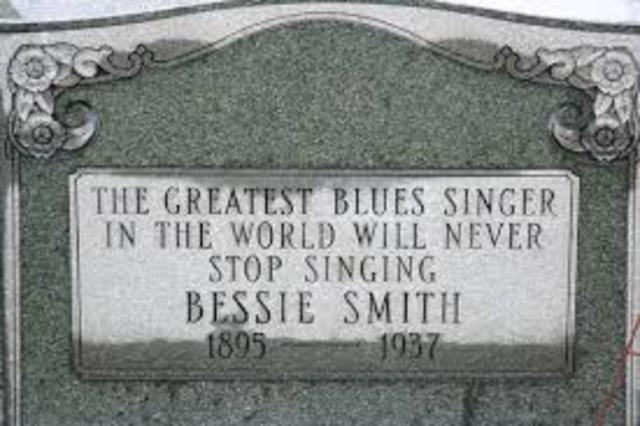 Bessie Smith Dies in Car Accident