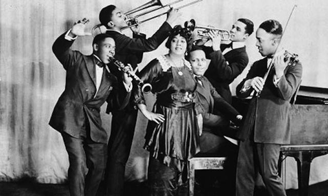 "Mamie Smith records ""Crazy Blues"""
