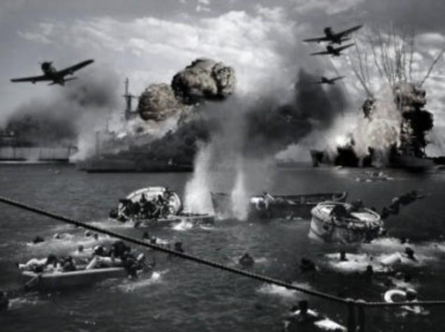 EEUU entra en guerra (Pearl Harbor)