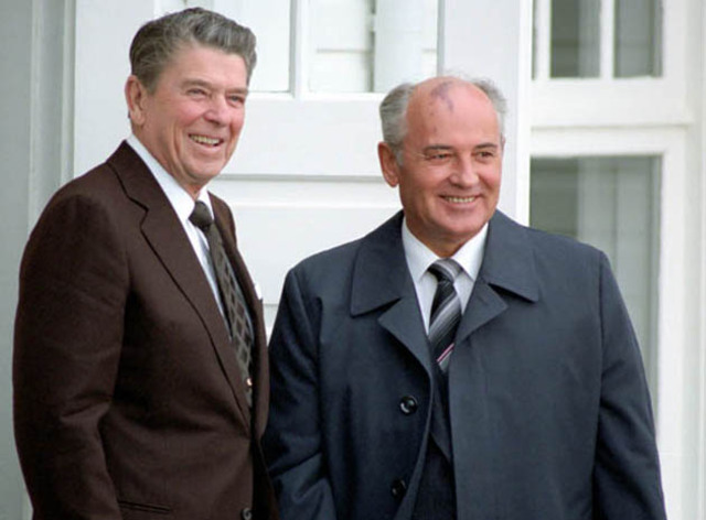 Reagan and Gorbachev agree to remove all medium and short-range nuclear missiles