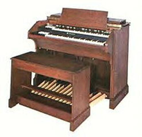 Hammond Organ Invented
