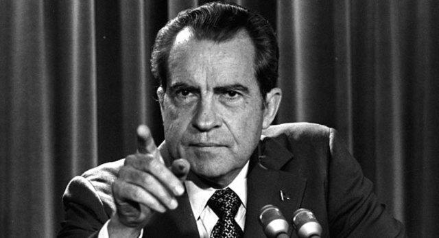 Nixon promises to release tape transcripts
