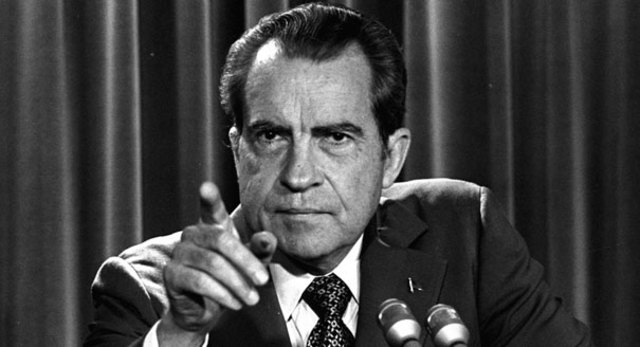 Nixon promises to release tape transcripts