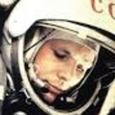 Жизненный путь великого космонавта timeline