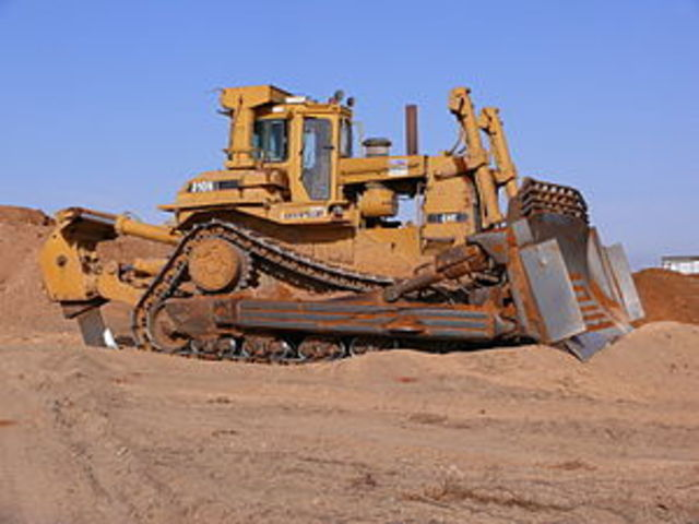 el primer bulldozer