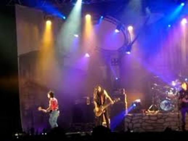 Primera gira por Latinoamérica