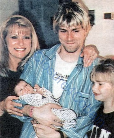 Frances Bean Cobain born