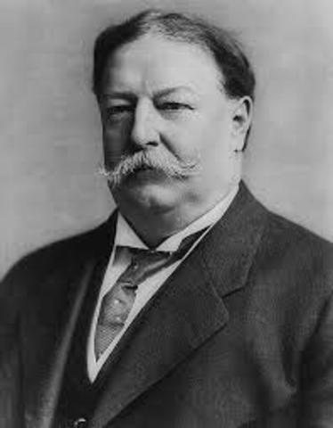 William Taft becomes President