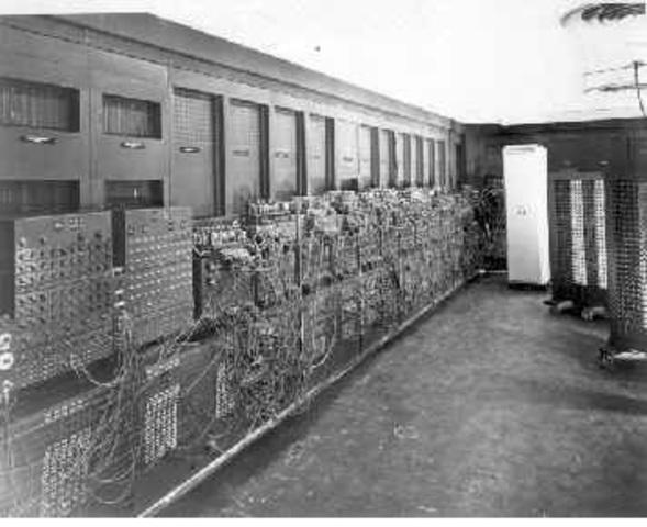 primer computador fabricado con Electrónica Digital