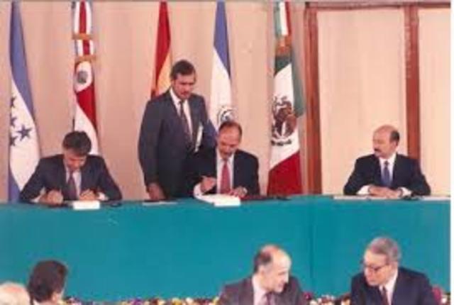 e firmó el acuerdo de Ciudad de México, donde se dieron por finalizadas las negociaciones