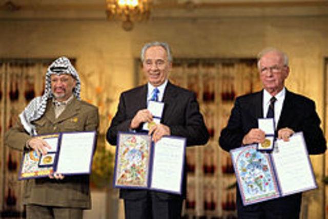 זכייה בפרס נובל יחד עם שמעון פרס ויאסר ערפאת