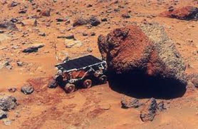 The Pathfinder Mission land on Mars.