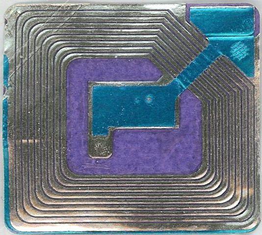 Radio-étiquette RFID (Anzmy CHEBANI)