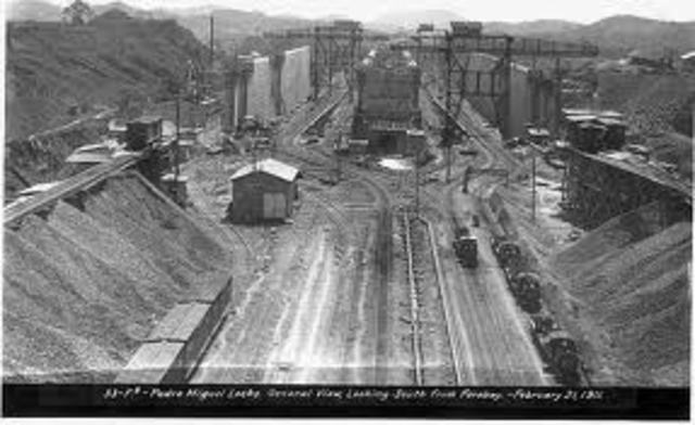 First complete Panama Canal passage takes place