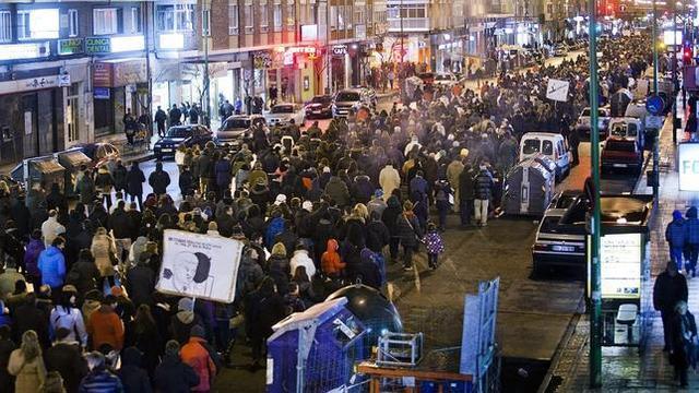Marcha; actos vandálicos y detenciones.