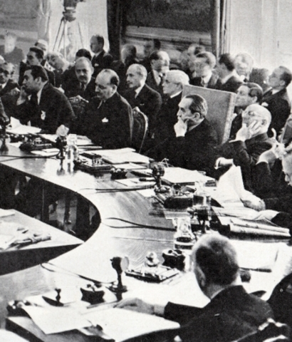 a brief history of the origins of the league of nations created during the conference in versailles The league was comprised of 42 nations based on their aggressions during world to be under the control of the league of nations by the treaty of versailles.