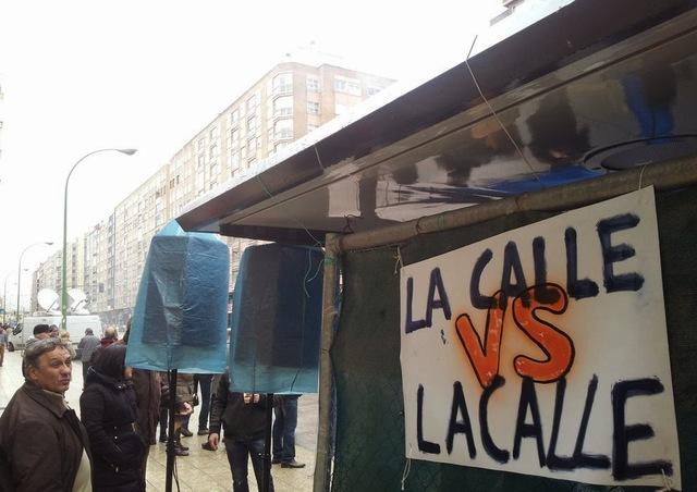 Sentada contra el alcalde Lacalle