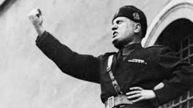 Benito Mussolini alcanzó el poder