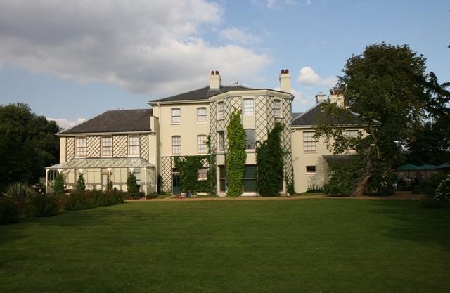 Darwin se mudó a Down House, residencia en el campo.