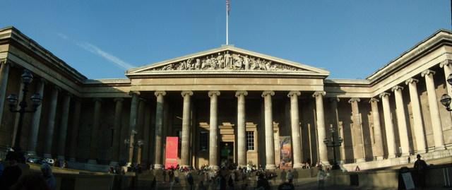 Wallace visita el Museo Británico y sale con la convicción de dedicar su vida al estudio de la historia natural.
