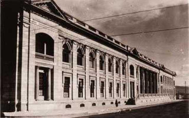 Colegios y Casas de Educación