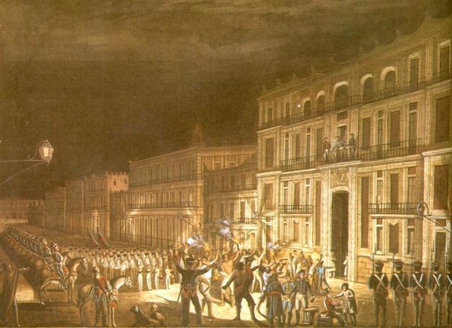 Iturbide disuelve  el congreso.