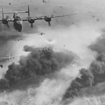 Desenvolupament II Guerra Mundial timeline