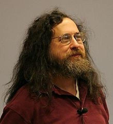 Richard Stallman lanzó el proyecto GNU