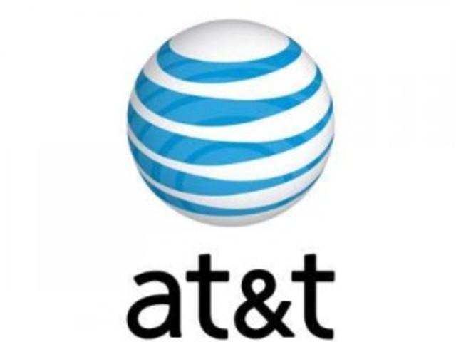 AT&T distribuía las primeras versiones de UNIX