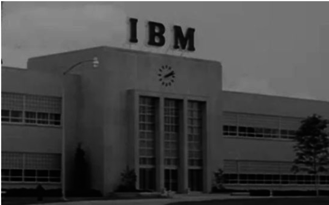 1924 - Watson crea IBM junto a Hollerit