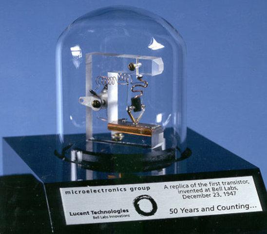 1958 - Se crea el Primer Transistor
