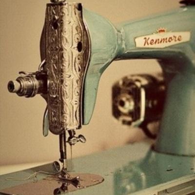 Historia de la maquina de coser  (Alejandra de la cruz hernadez) timeline