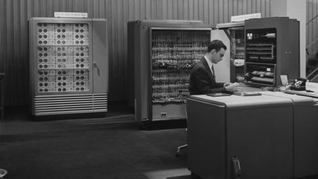 Primera computadora cientifica comercial de IBM