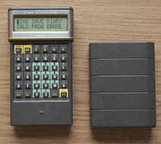 Se creo la compañia Psion y lanzo una serie de telefonos
