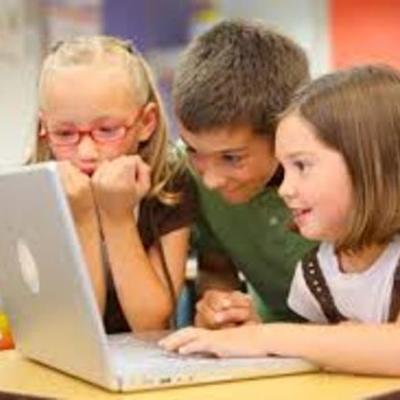 Evolución de la Tecnología Educativa Andrea Barrios Loesener 20015 timeline