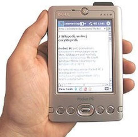 Surgen los primeros PocketPC tenían como sistema operativo el llamado Windows CE 3.0.