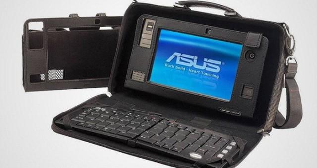Windows entra en el ámbito de los Ultra-mobile PC o UMPC. Son unos equipos más pequeños también con lápiza y pantalla TFT