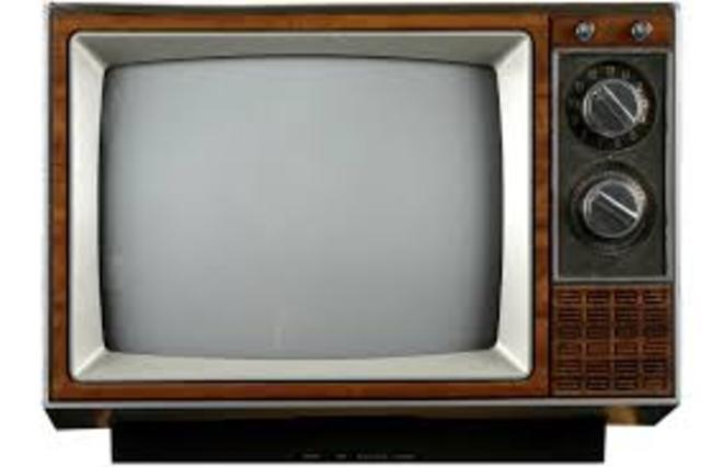 Se inventa el Televisor Blanco y Negro