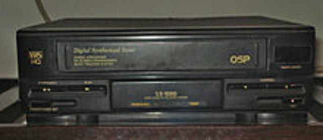 Se lanza el Primer Videograbador Domestico que introdujo Ampex