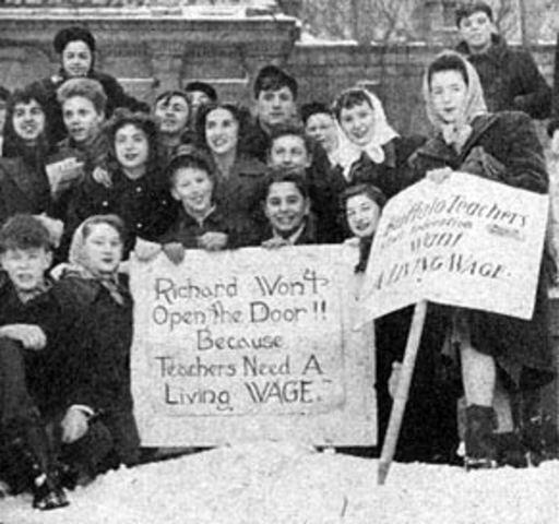 New York's Teachers Federation Declares Iconic Strike