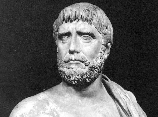 TALES DE MILETO 585 a.C.